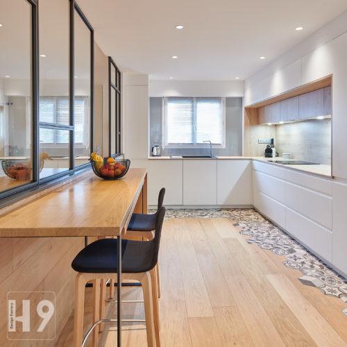 Conception et réalisation d'une cuisine avec mobilier sur-mesure